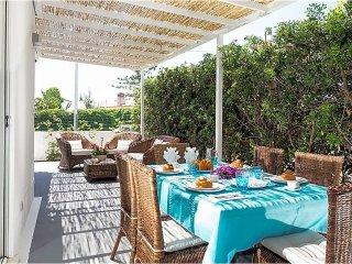 3 bedroom Villa in Fontane Bianche, Sicily, Italy : ref 5571180
