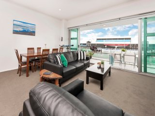 Princes Wharf 2 Bedroom Apartment in the heart of the Viaduct