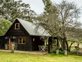 Cowboys Cabin on Wollombi Brook