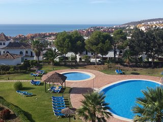 Duquesa Luxury Penthouse with panoramic sea views, next to golf course