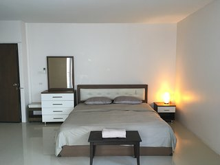 Huzisan Sukhumvit 81 (Private Studio)