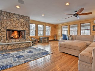Belmont House w/ Pool - 5 Min to Winnipesaukee!