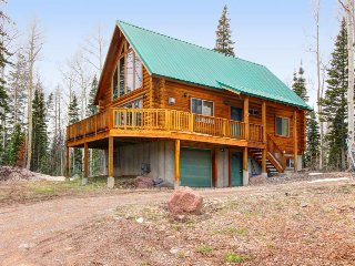 Exclusive cabin between Giant Steps and Navajo with wonderful home essentials