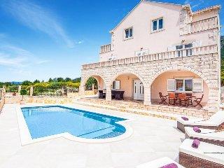 4 bedroom Villa in Zvekovica, Dubrovacko-Neretvanska Zupanija, Croatia : ref 533