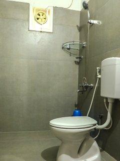 Bath Room / Toilet