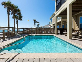 Beachfront with Pool!  Come Stay in the Pelican's Nest!