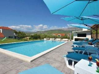 Holiday home with pool in Podstrana, near Split