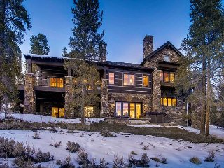 Luxurious Mountain Lodge featuring privacy and amazing views! Close to Breck!