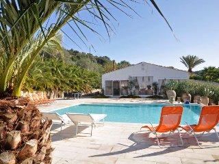 Marina di Ragusa Villa Sleeps 20 with Pool Air Con and WiFi - 5227252