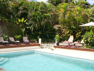 15% OFF book by 15Dec! 5BR Villa Holetown+pool+cook. Low rates 3-4BR!