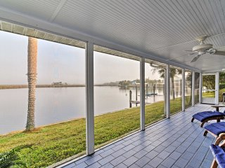 Sleek Waterfront Crystal River Home w/Private Dock