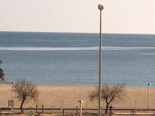 Apartamento primera linea de mar. Bonitas vistas