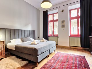Lovely apartment near station by Tyzenhauz