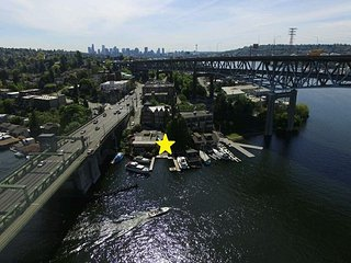 Remodeled 2BR Vintage Waterfront on Portage Bay—Near Downtown & University