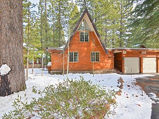 4BR w/ Private Deck on Tahoe Donner Golf Course - 1 Mile to Rec Center