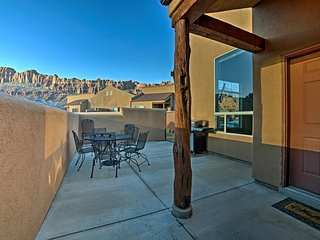 NEW! 3BR Moab Townhome w/Mtn Views in Canyonlands!