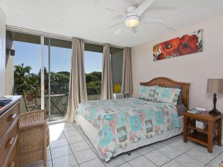 Waikiki Grand Hotel #408 - Studio/1BA w/ Balcony and Kitchenette