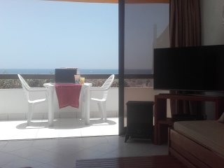 Sea View, Albufeira Old Town, Swimming Pool, Free Wi-Fi, 500 metres to Beach.