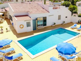 UP TO 10% OFF GILSONIA, Villa w/ pool in peaceful location,close to the beach,AC