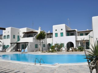 Villa Diles is a three bedroom villa centrally located in Ornos Mykonos