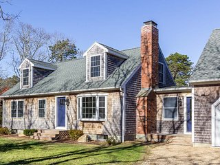 DAVIK - New for  2018! Charming Cape on the Outside all Newly Renovated and Cont