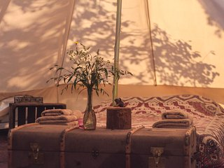 Hunza Ecolodge - Eco Glamping, breakfast included