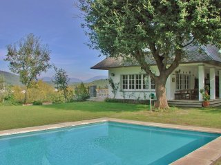 CM440 - Large cosy holiday villa with private pool close to Barcelona – great fo