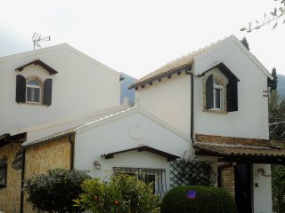 Holiday private villa in Corfu, Achilleion - Benitses