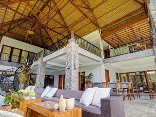 Alami Villa- Luxury Villa, 5 BR-Sleeps 10, Full Breakfast, Very Private