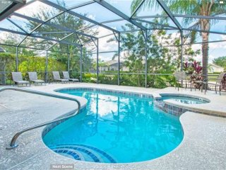Stunning Pool/spa, Games Room, Luxurious furnishings, wheelchair accessible