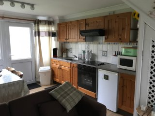 Holiday Chalet In Freshwater East Available