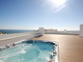 Vista Oceano, Brand New Deluxe 2 bedroom apartment, A/C, WiFi and Communal Pool