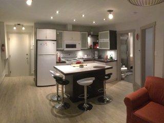 31/2 neuf cuisine chambre lit queen canape lit parking parfait pour 1 a 4