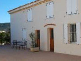 Appartement Victoria 2 meuble de tourisme au chateau de la Clapiere a Hyeres