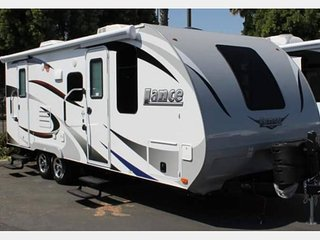 2017 Lance 21' Travel Trailer fully equipped - WE DELIVER