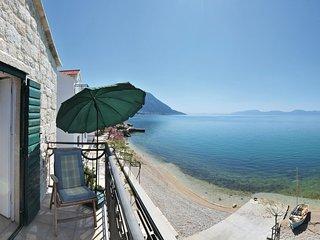 2 bedroom Villa in Brist, Splitsko-Dalmatinska Županija, Croatia : ref 5562774