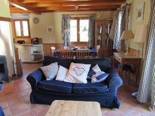 Pomayrede Holiday Home Sleeps 6 with Pool and Free WiFi - 5050167
