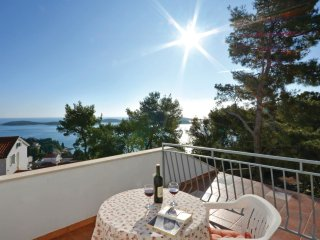 2 bedroom Apartment in Hvar, Splitsko-Dalmatinska Županija, Croatia : ref 553616