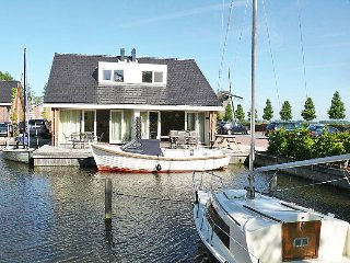 Uitgeest Holiday Home Sleeps 6 with WiFi - 5027302