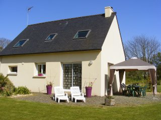 3 bedroom Villa in Ploulec'h, Brittany, France : ref 5556624