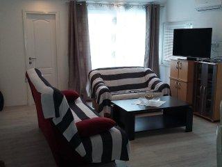 Three bedroom apartment Supetarska Draga - Donja, Rab (A-2022-a)