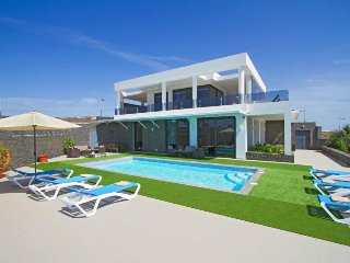 3 bedroom Villa in Puerto del Carmen, Canary Islands, Spain : ref 5569795