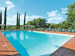 2 bedroom Apartment in Castellina Scalo, Tuscany, Italy : ref 5447410