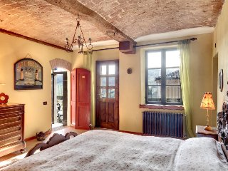 Frinco Apartment Sleeps 6 with Pool and WiFi - 5696568