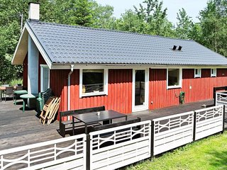 Mariager Holiday Home Sleeps 8 with WiFi - 5042971