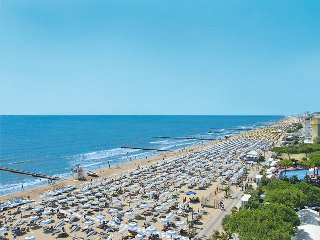 2 bedroom Apartment in Lido di Jesolo, Veneto, Italy : ref 5434465