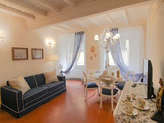 1 bedroom Apartment in Florence, Tuscany, Italy : ref 5476964