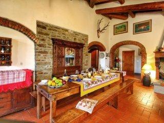 4 bedroom Villa in Civitella in Val di Chiana, Tuscany, Italy : ref 5472745