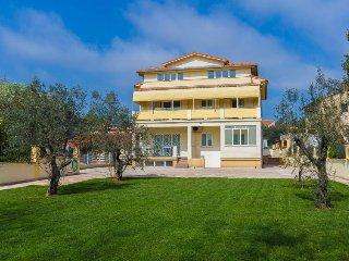 3 bedroom Apartment in Medulin, Istria, Croatia : ref 5571587