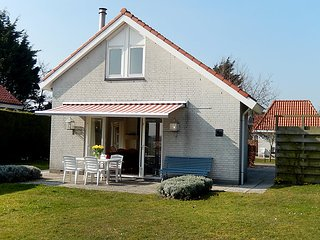 Piet Gijzenbrug Holiday Home Sleeps 6 with WiFi - 5312098